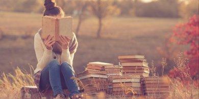 20151006165136-introvert-reading-books-.jpg