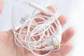 earphones.png